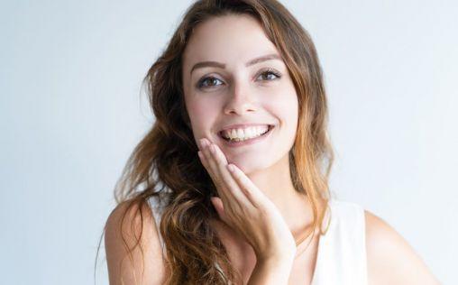 Blanqueamiento dental combinado, el secreto para lucir una sonrisa de escándalo