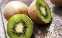 El kiwi tiene múltiples beneficios para la salud
