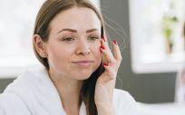 Llevar una vida agitada puede perjudicar la apariencia del rostro