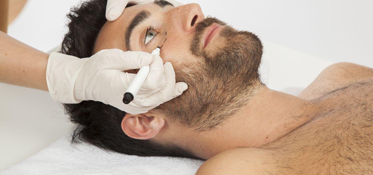 los hombres tienen ciertas preocupaciones esteticas que quieren resolver - Tratamientos estéticos que triunfan entre los hombres -