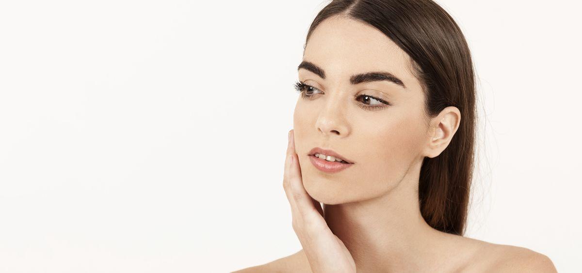 La rosácea es una afección cutánea común que causa la formación de enrojecimiento en la nariz y las mejillas