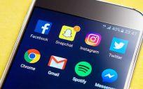 Los médicos utilizan redes sociales como Twitter, Facebook o Linkedin para compartir sus opiniones profesionales con otros usuarios. (Foto. Pixabay)