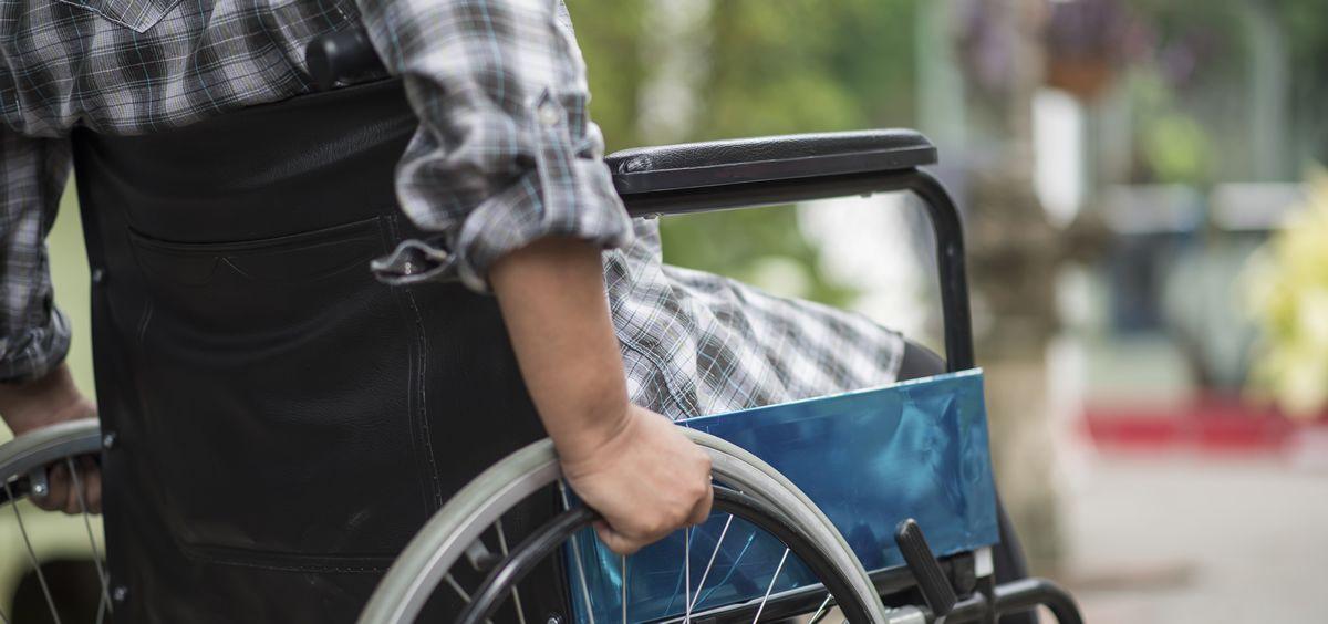 Persona sin movilidad en silla de ruedas. (Foto. Freepik)