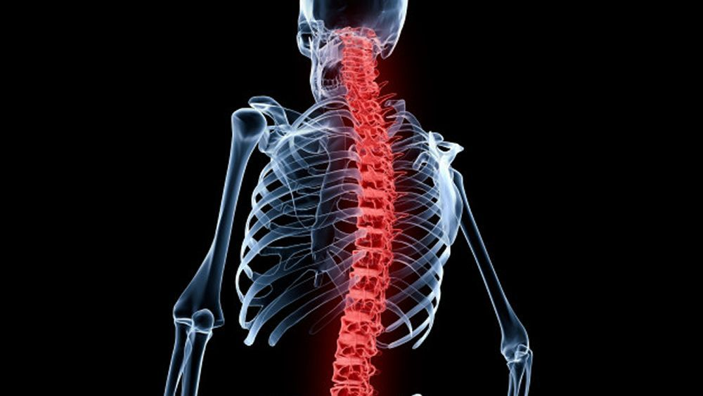 Implantes espinales de microelectrodos para controlar la función de extremidades paralizadas. (Foto. Freepik)