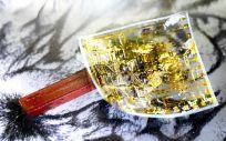 Desarrollan un material electrónico para creal piel artificial sensible (Foto. IFW)
