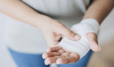 Suturas quirúrgicas inspiradas en tendones humanos protegen los tejidos frágiles (Foto. Freepik)