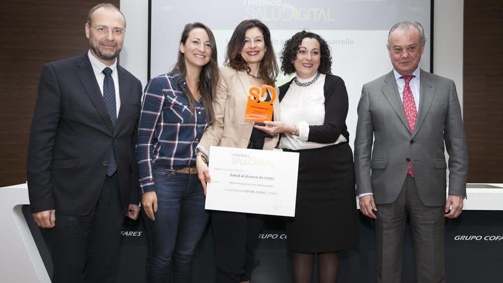 Las ganadores del premio recibieron 2.000 euros de apoyo para continuar con el desarrollo del proyecto. Foto: Alberto Carrasco.