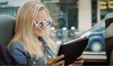 Unas gafas para evitar mareos cuando viajas.