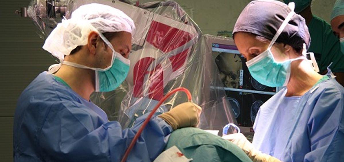 El Hospital del Mar de Barcelona es pionero en Europa en la utilización de este tipo de intervención para tratar la anorexia nerviosa.