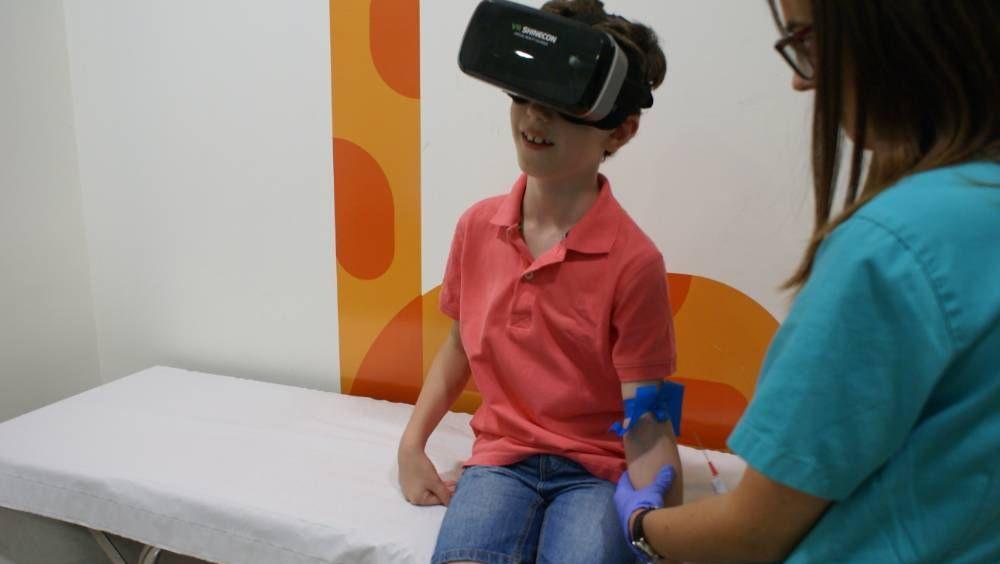 El Hospital Quirónsalud Valencia incorporó unas gafas de Realidad Virtual para la atención de los niños en su servicio de urgencias pediátricas