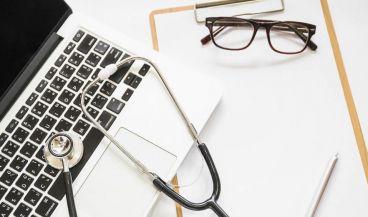 El dictado automático dispone de diccionarios que son introducidos y modificados por los propios médicos