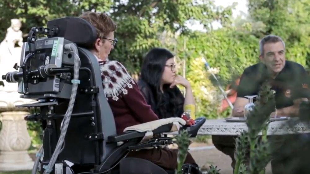 EscuELA plataforma online creada por la Fundación Luzón para el cuidado práctico de personas enfermas de ELA.