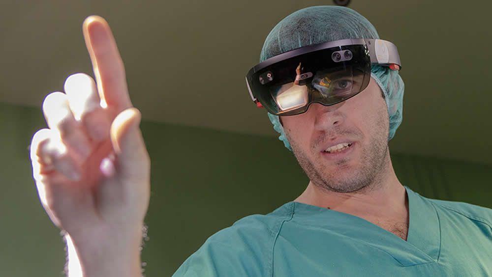 El Hospital Gregorio Marañón ha desarrollado un sistema que permite proyectar en el paciente realidad aumentada.