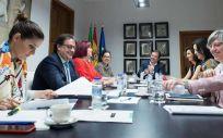 El Hospital de Cáceres contará con implantes cocleares y prótesis de voz