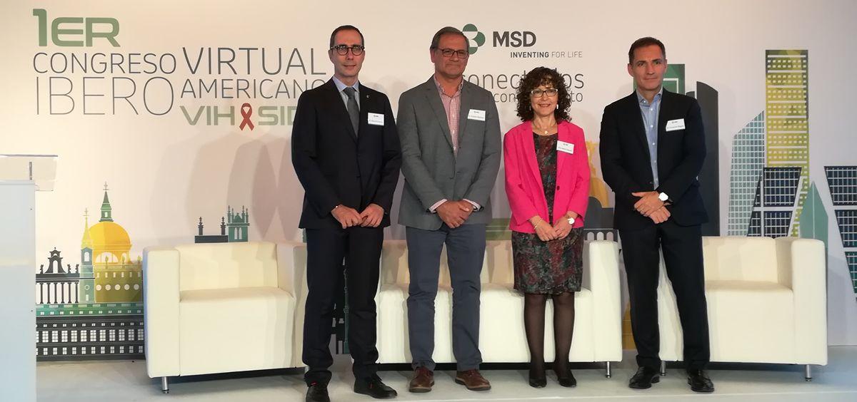 De izquierda a derecha: los doctores Manuel Cotarelo, Esteban Martínez, Isabel Cassetti y Fernando Bognar
