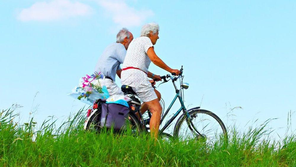 Las personas mayores que practican deporte tienen una mejor valoración de sí mismos.