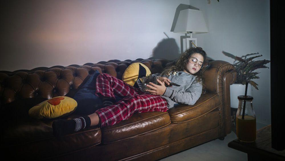 ¿Duermes con la tele encendida? Esto te interesa