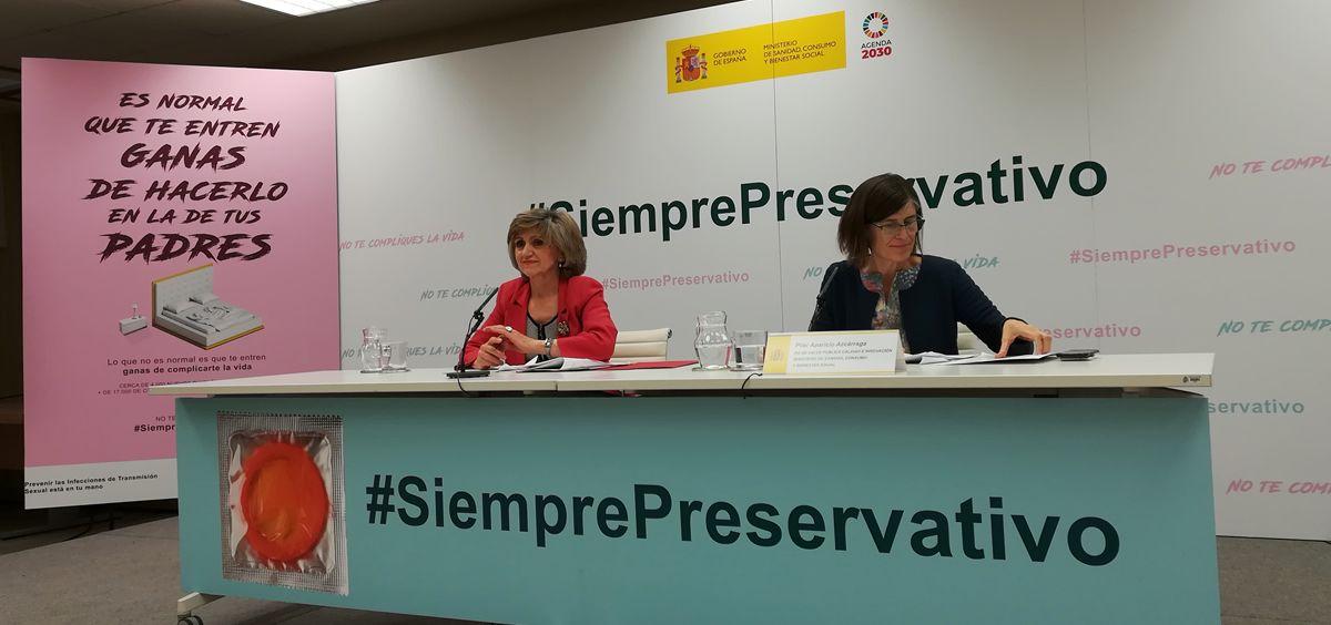 María Luisa Carcedo, ministra de Sanidad, Consumo y Bienestar Social, y Pilar Aparicio, directora general de Salud Pública (Foto: Juanjo Carrillo - ConSalud.es)