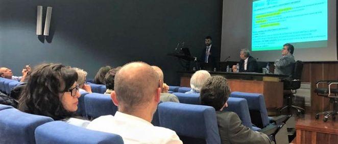 Uniteco y los médicos de León debaten sobre responsabilidad civil sanitaria