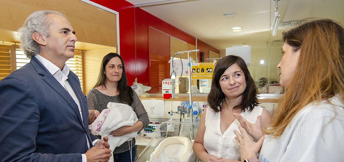 Enrique Ruiz Escudero ha visitado esta Unidad de Nutrición Personalizada del Servicio de Neonatología del Hospital Gregorio Marañón