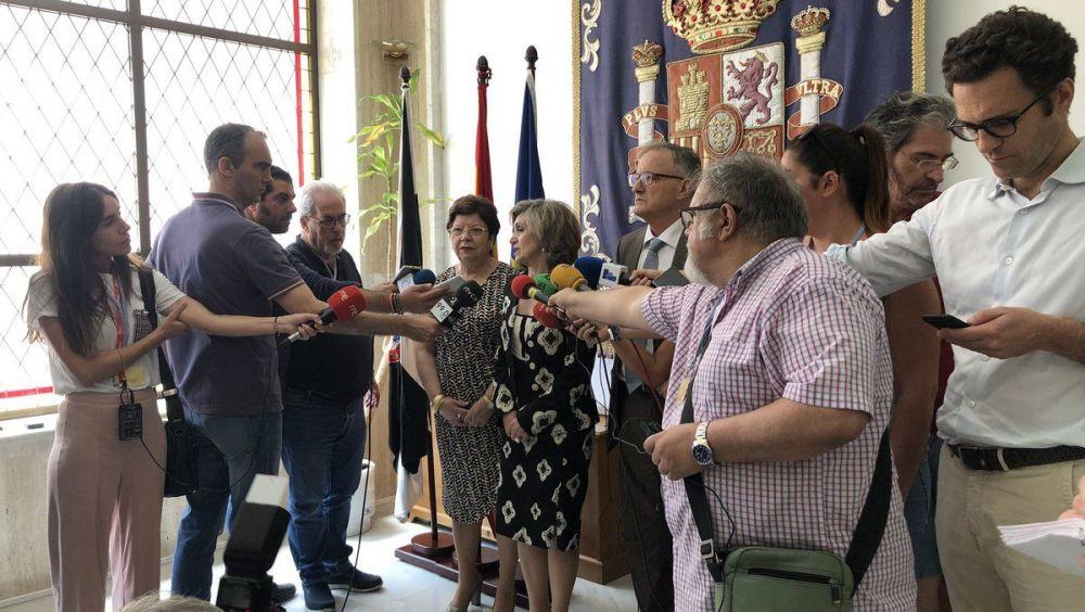 La ministra Carcedo, ante los medios de comunicación de Ceuta. (Twitter: Ingesa Ceuta)