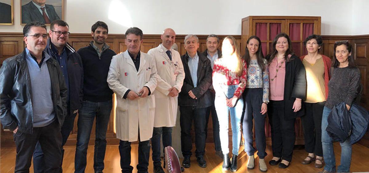 Profesionales de Valdecilla y especialistas en reumatología que visitaron el hospital en marzo/ Foto: Consejería de Sanidad de Cantabria
