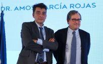 Sergio Alonso, redactor jefe de Economía y Sanidad y organizador de los Premios A Tu Salud , junto al director de La Razón, Francisco Marhuenda