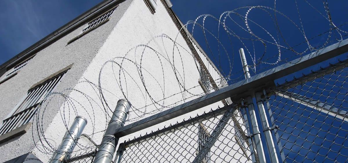 Imagen del exterior de un centro penitenciario. (Foto: Unsplash)
