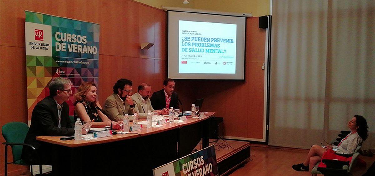 La consejera, María Martín, en  la apertura del curso de verano ¿Se pueden prevenir los problemas de salud mental?/ Foto: Rioja Salud