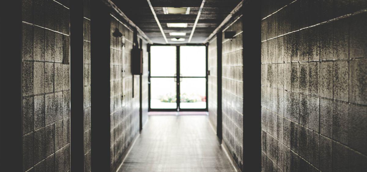 La Asociación Pro Derechos Humanos Andalucía (Apdha) pide un cambio en la normativa penitenciaria para la excarcelación de presos con graves problemas de salud. /Foto: Pixabay.