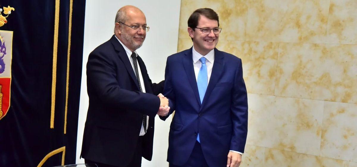 Francisco Igea, líder de Ciudadanos en Castilla y León, y Alfonso Fernández Mañueco, presidente del PP de esta región / Foto: @CsCastillayLeon