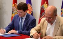 Mañueco e Igea firman el acuerdo en Castilla y León (Twitter Ciudadanos CyL)