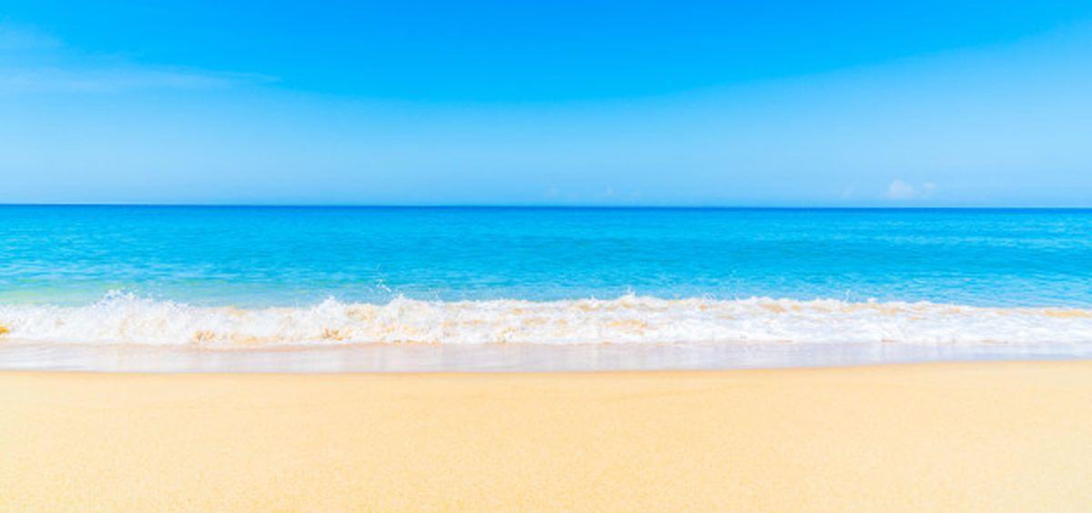 Playa libre sin humos (Foto. Freepik)