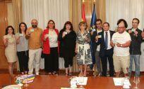La ministra de Sanidad, María Luisa Carcedo, junto a colectivos LGBTI y entidades de VIH y Sida / Foto: Ministerio de Sanidad