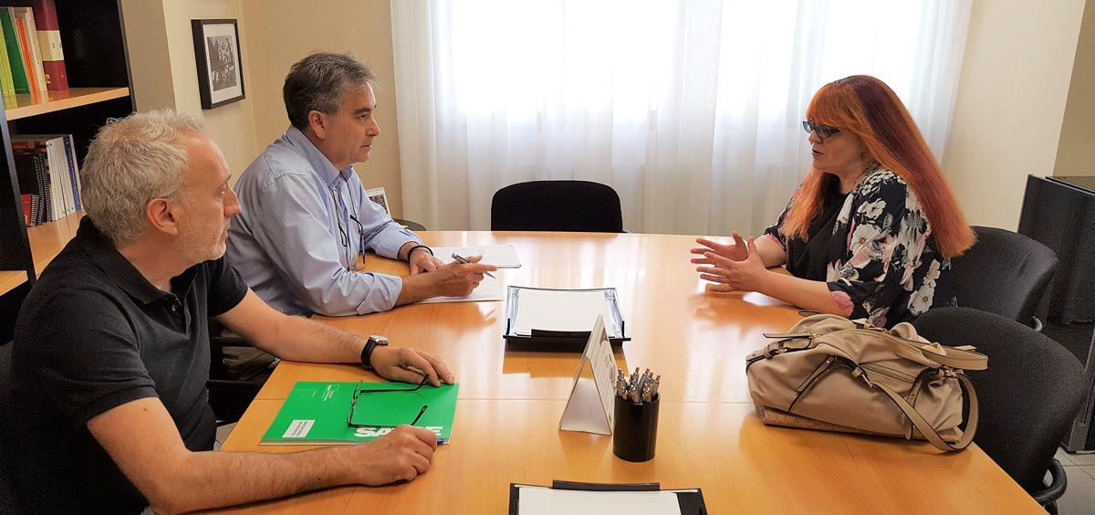Isabel Madrid, presidenta de ANPE, en la reunión con Manuel Cascos, presidente de Satse