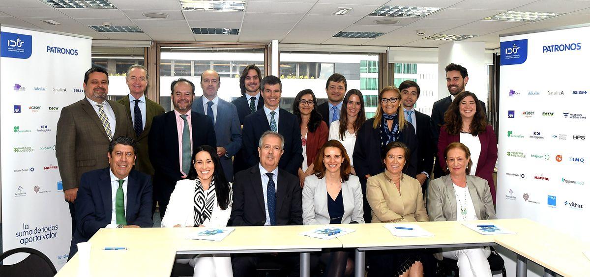 Comité de Innovación de IDIS, entre los miembros del patronato y representantes del equipo de Boston Scientific   Foto: Fundación IDIS