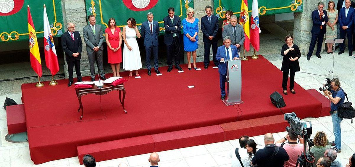 Nuevo equipo de Gobierno de Cantabria, presidido por Miguel Ángel Revilla / Foto: @prcantabria