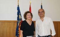 María Isabel Moya, presidenta de COMA, y Manuel Palomar, rector de la UA (Foto. ConSalud)