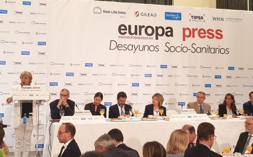 """""""El gran reto al que se enfrenta España es el diálogo, más necesario en sanidad"""""""