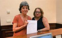 Amparo Botejara, ex portavoz de Sanidad de Podemos en el Congreso, junto a Meri Pita, diputada por Canarias (Foto: @meripita44)