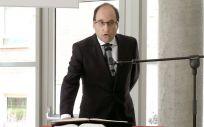El nuevo secretario general de Sanidad de Castilla y León, Israel Diego, toma posesión de su cargo. (Foto. Junta de Castilla y León)