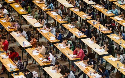 La formación sanitaria especializada, más allá del MIR: Inquietud frente al examen