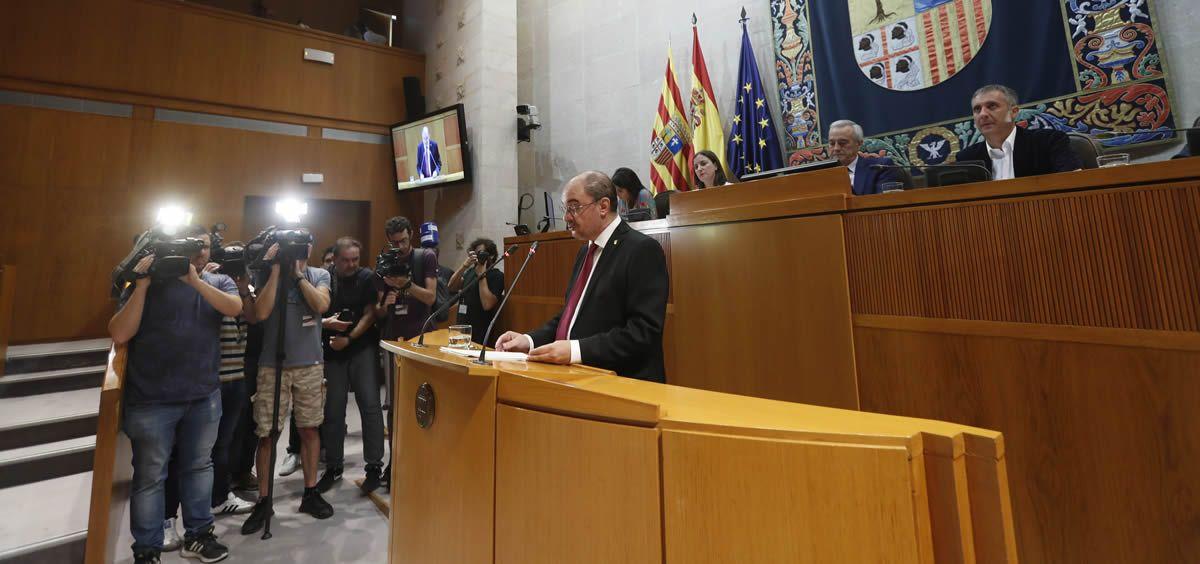 Javier Lambán, presidente del Gobierno de Aragón durante la sesión de investidura. (Foto. Flicr Cortes de Aragon)