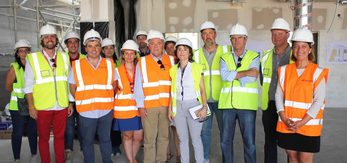 Antonio Puerto en su visita a las obras del nuevo centro de salud de Aspe (Foto. ConSalud)