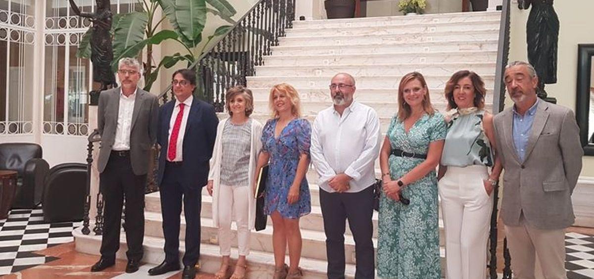 María Luisa Carcedo, ministra de Sanidad en funciones, durante su visita al balneario de Alange. (Foto. Moncloa)