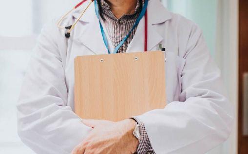 """Los médicos gallegos advierten al Sergas: la sobrecarga de pacientes """"nos está machacando"""""""