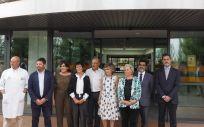María Luisa Carcedo en su visita al CRE de Alzheimer (Foto. ConSalud)