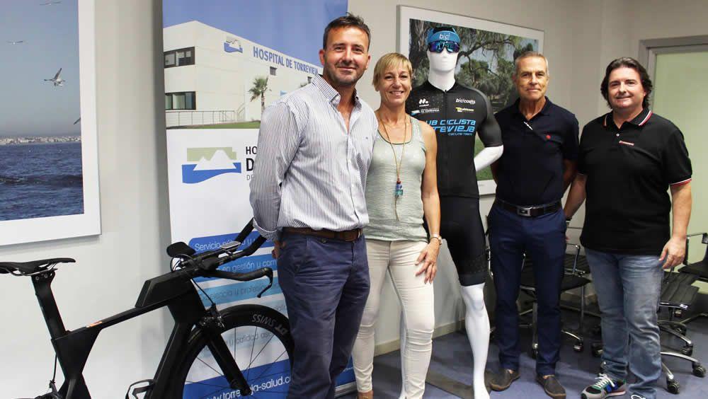 Torrevieja Salud firma un convenio para dar respaldo a los ciclistas