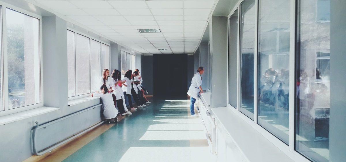 Profesionales sanitarios (Foto. Banco de imágenes)