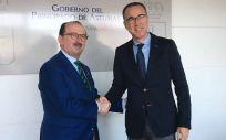 El consejero de Asturias se reúne con los sanitarios